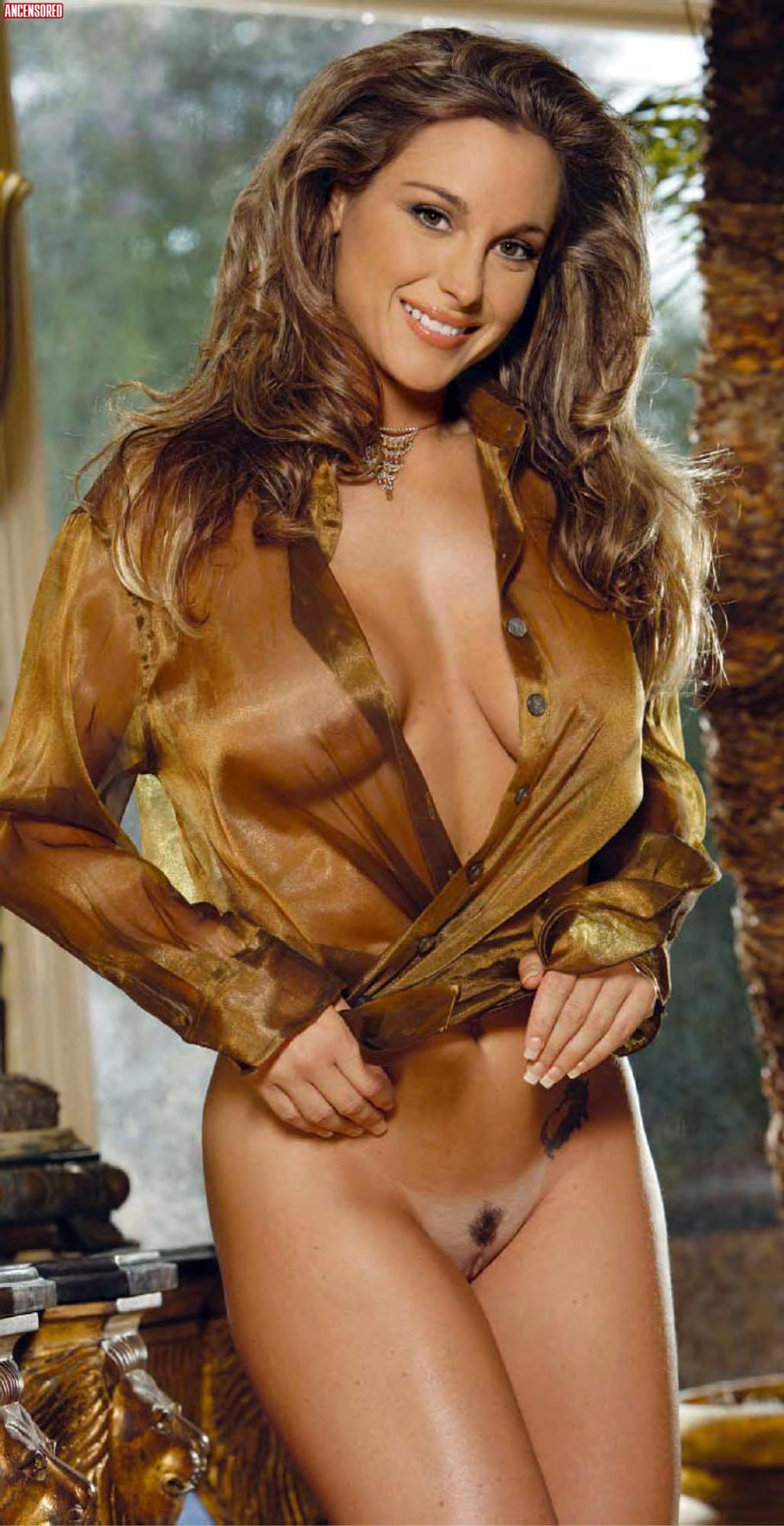 Michelle Manhart Topless photo 16