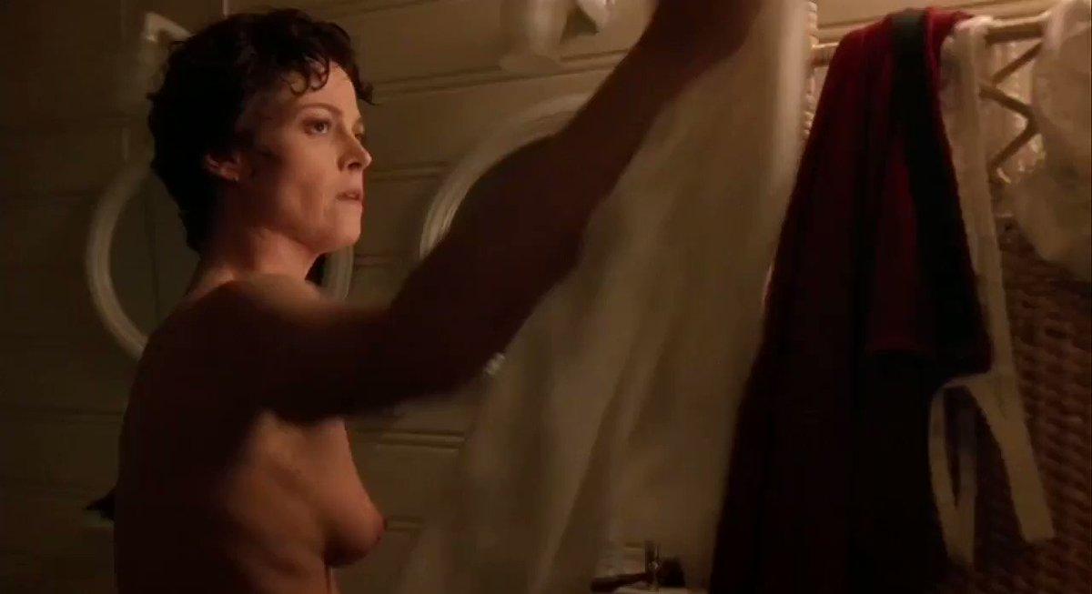 Sigourney Nude photo 6