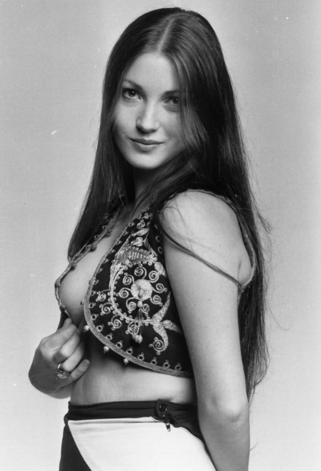 Sexy Jane Seymour photo 29