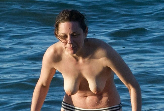 Marion Cotillard Boobs photo 25