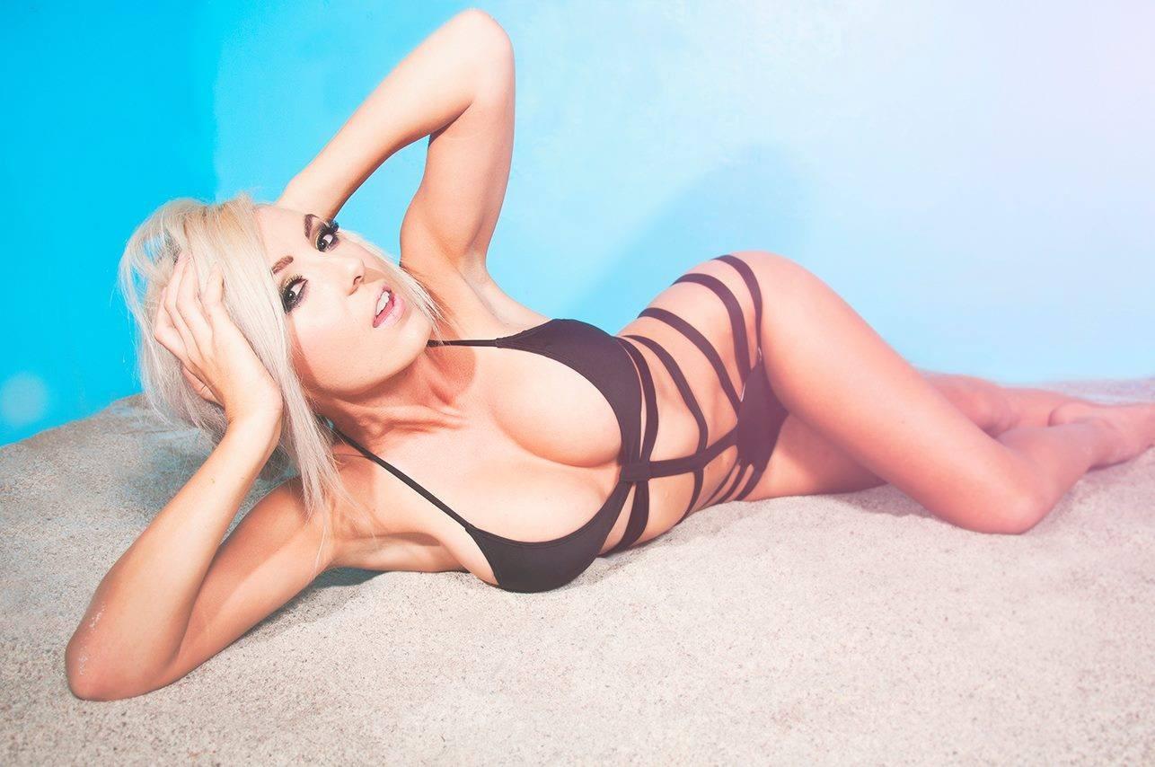 Jessica Nigri Hot Photos photo 11