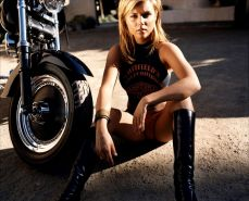 Tiffani Amber Thiessen Pussy photo 6