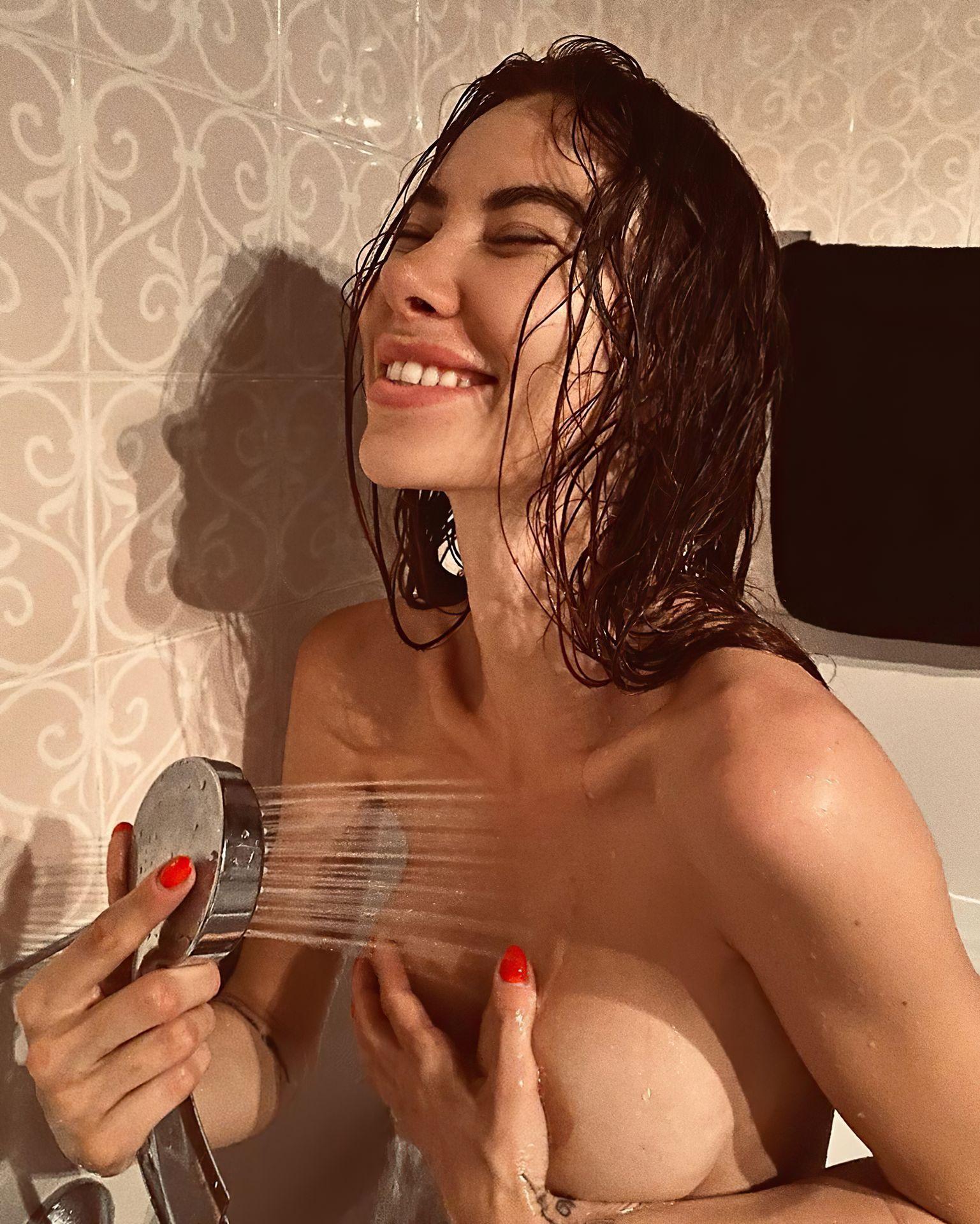 Valentina Fradegrada Naked photo 30