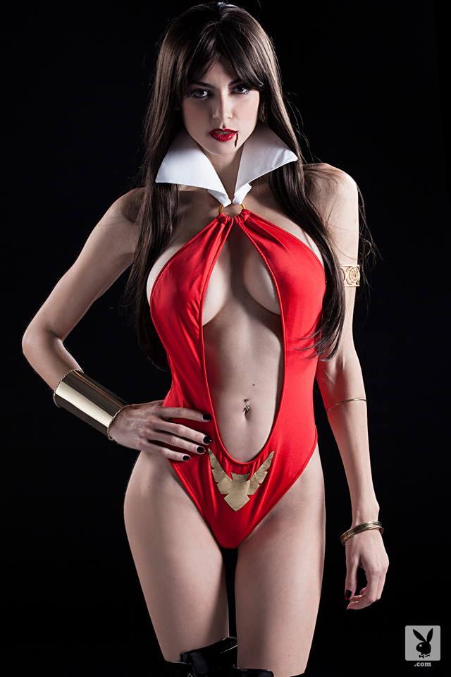 Sexy Vampirella Cosplay photo 10
