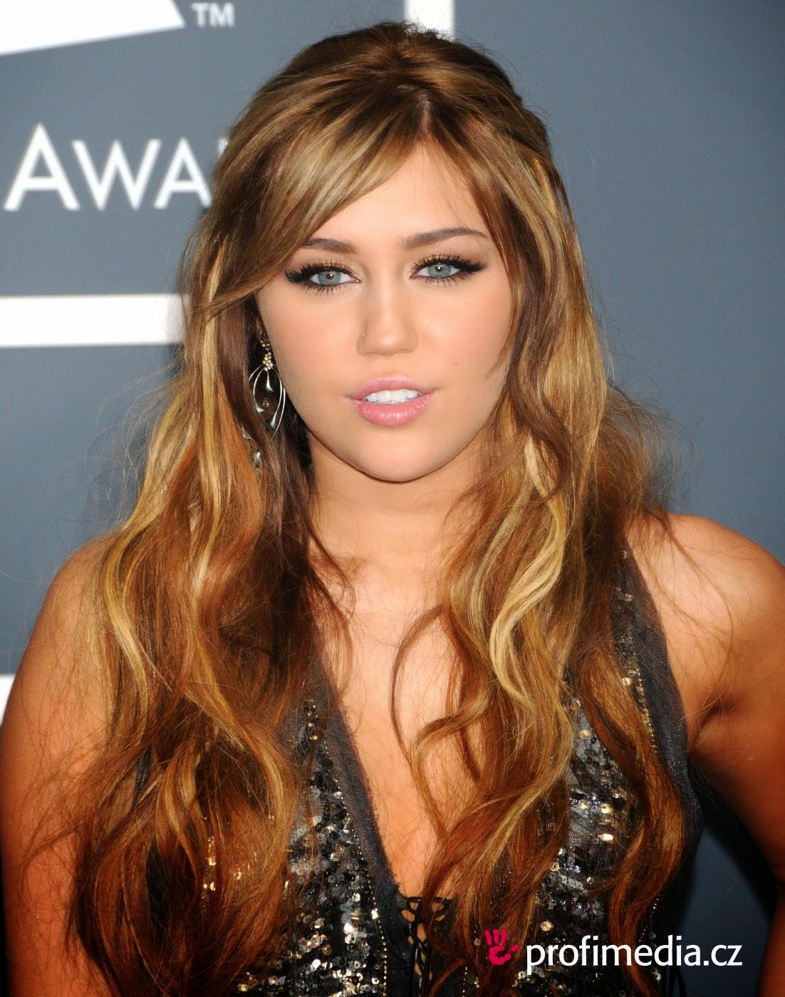 Miley Cyrus Upskirt Pussy photo 12