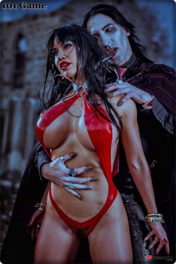 Sexy Vampirella Cosplay photo 30