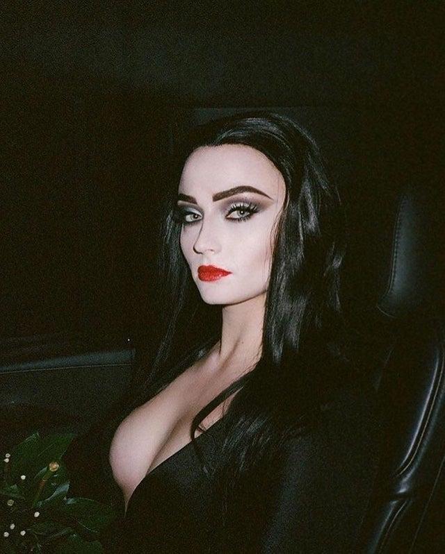 Morticia Addams Naked photo 20