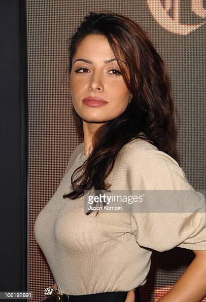 Sarah Shahi Hot Pictures photo 23