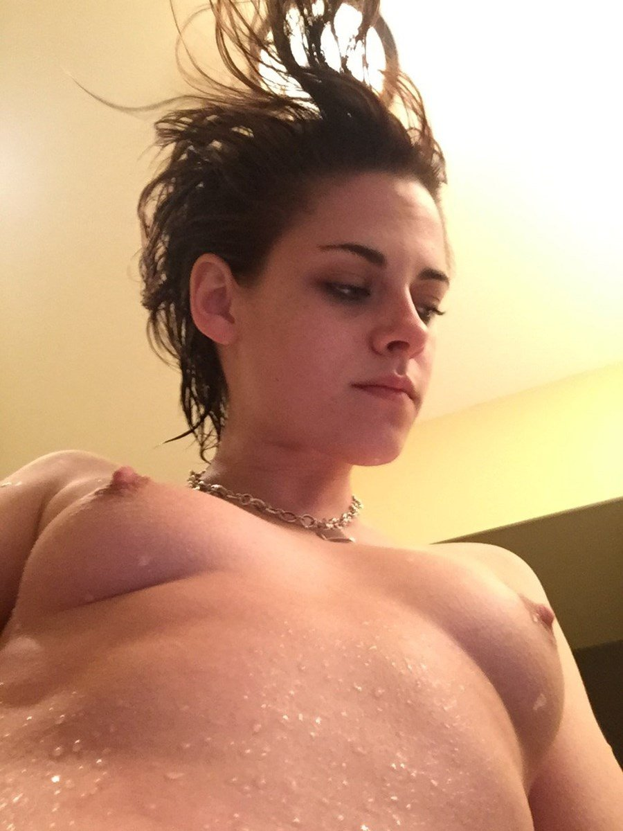 Kristen Stewart Masturbate photo 2