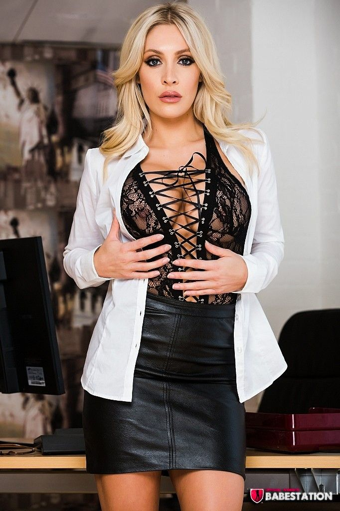 Ashley Emma Model photo 16