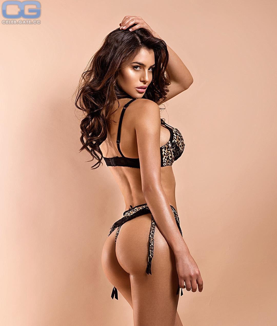 Silvia Caruso Playboy photo 14