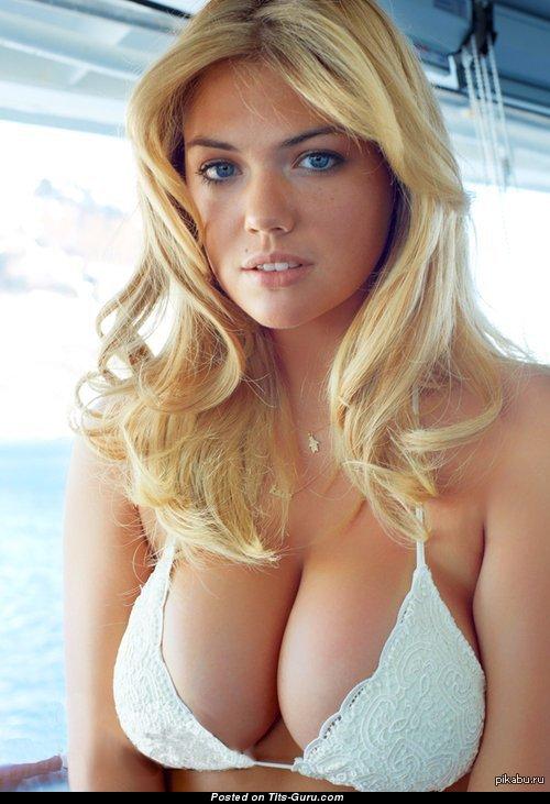 Kate Uptons Tits photo 10