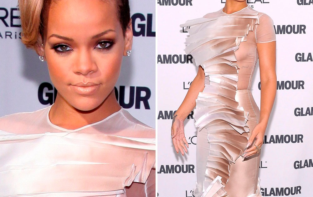 Rihanna Boob Slip photo 20