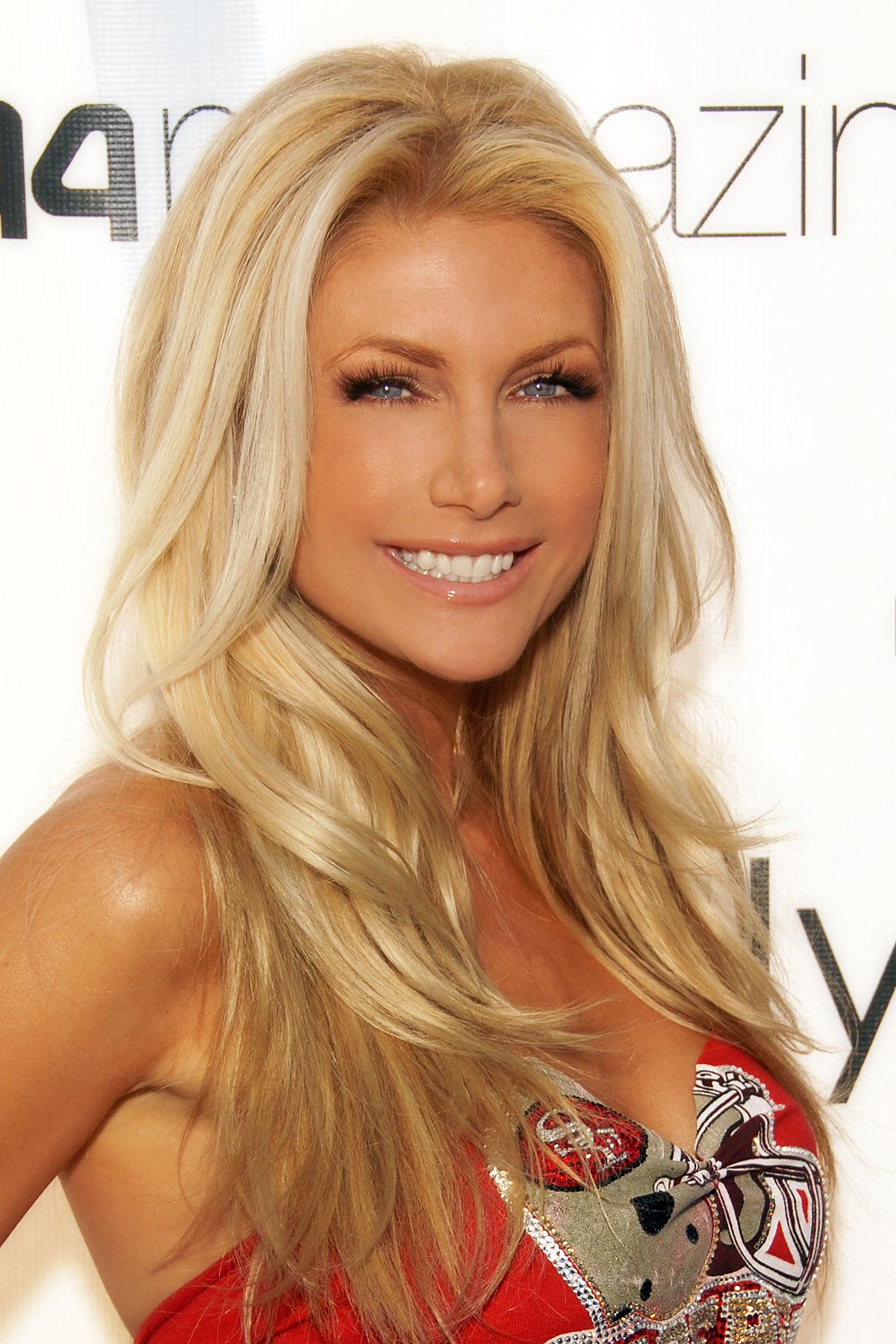 Wiki Playboy photo 9