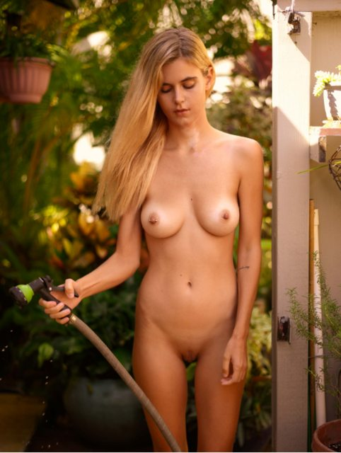 Amber Leigh West Naked photo 6