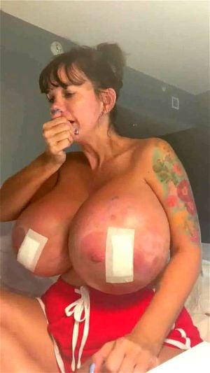 Big Tits Elizabeth photo 22