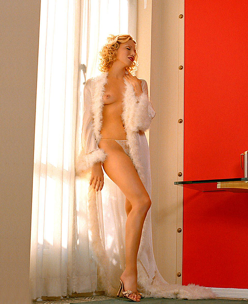 Debbie Gibson Playboy Pictures photo 7