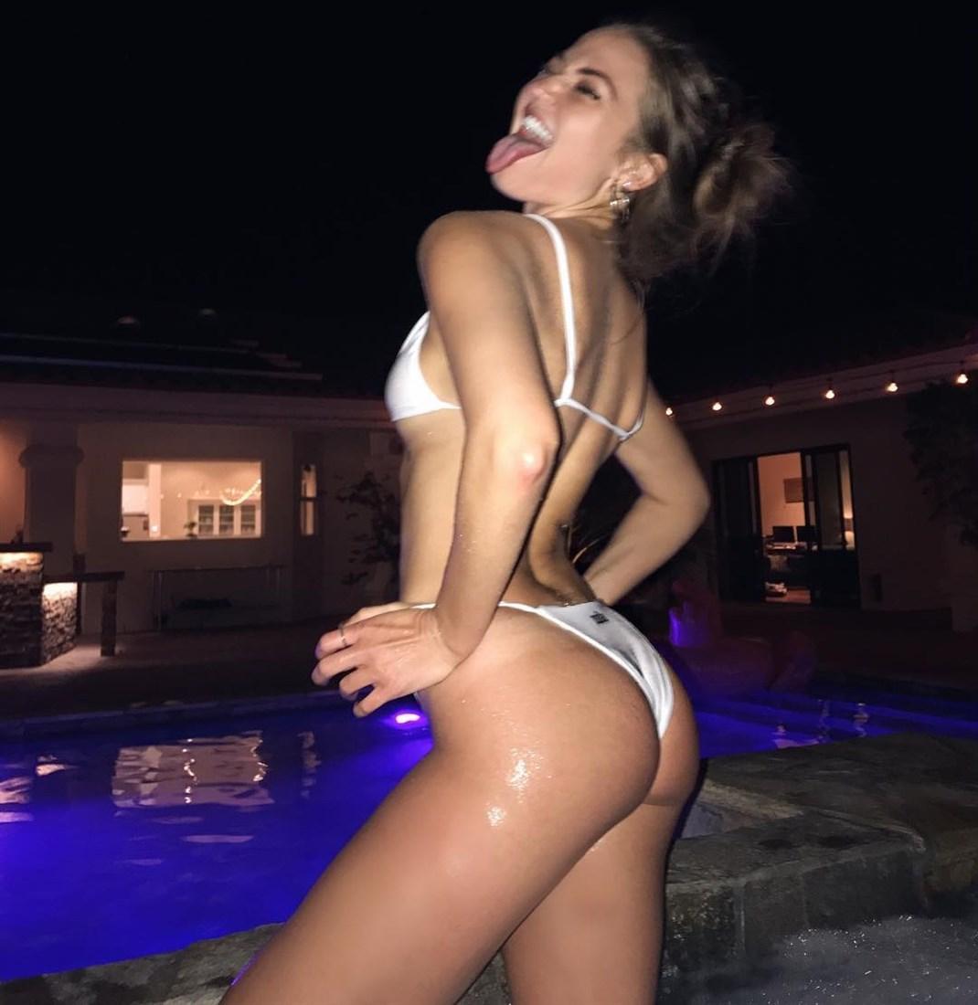 Erika Costell Tits photo 10