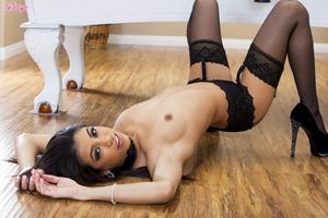 Veronica Rodriguez Forum photo 10