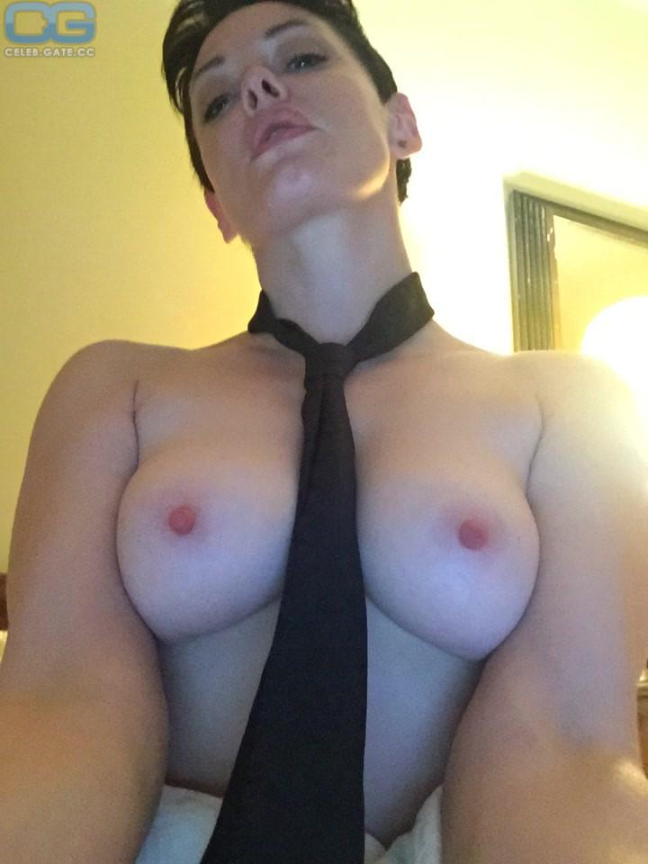 Rose Mcgowen Topless photo 29