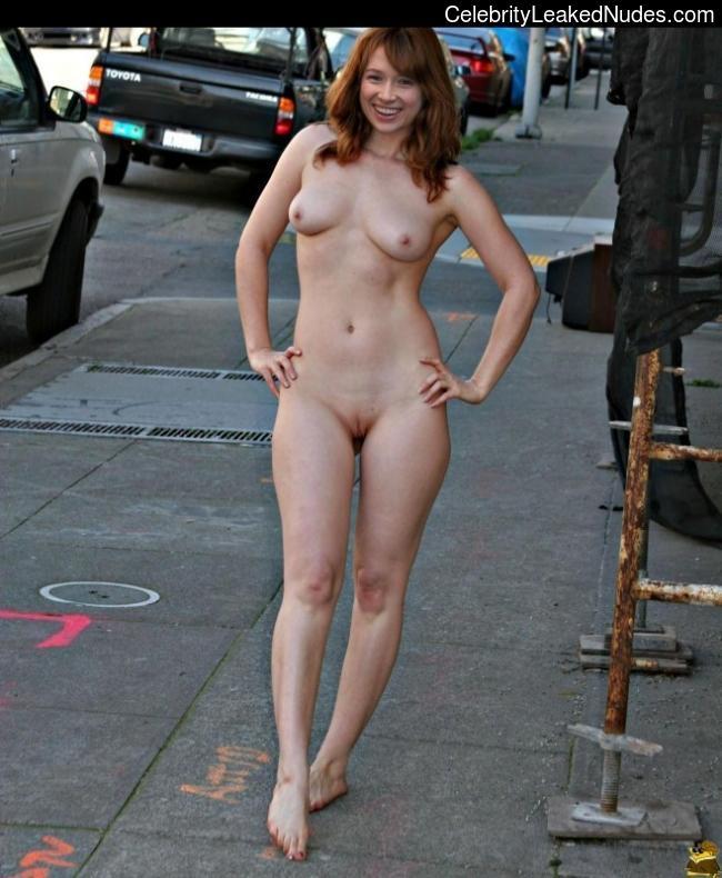 Has Ellie Kemper Ever Been Nude photo 16