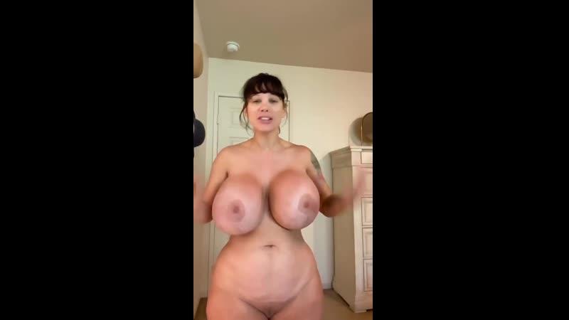 Big Tits Elizabeth photo 29
