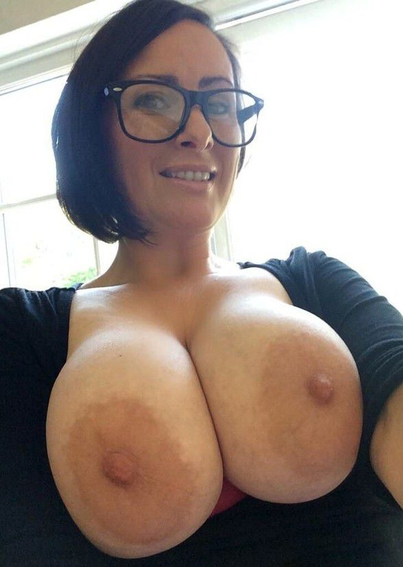 Mature Selfie Tits photo 24