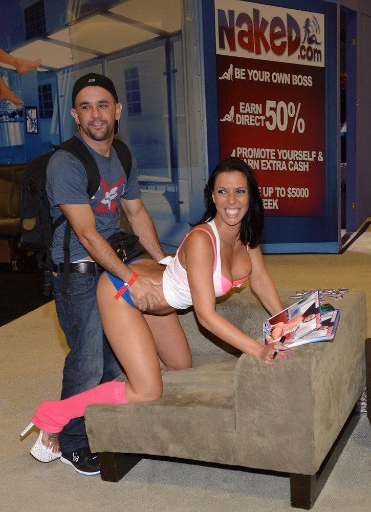 Rachel Starr With Fan photo 16