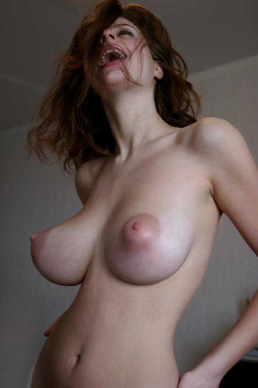 Esther Tits photo 30