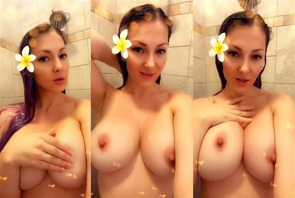 Kristen Hughey Topless photo 6