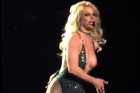 Britney Spears Tits Out photo 20