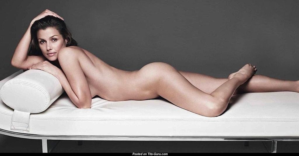 Bridget Moynahan Breasts photo 10