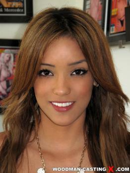 Melanie Rios Forum photo 23