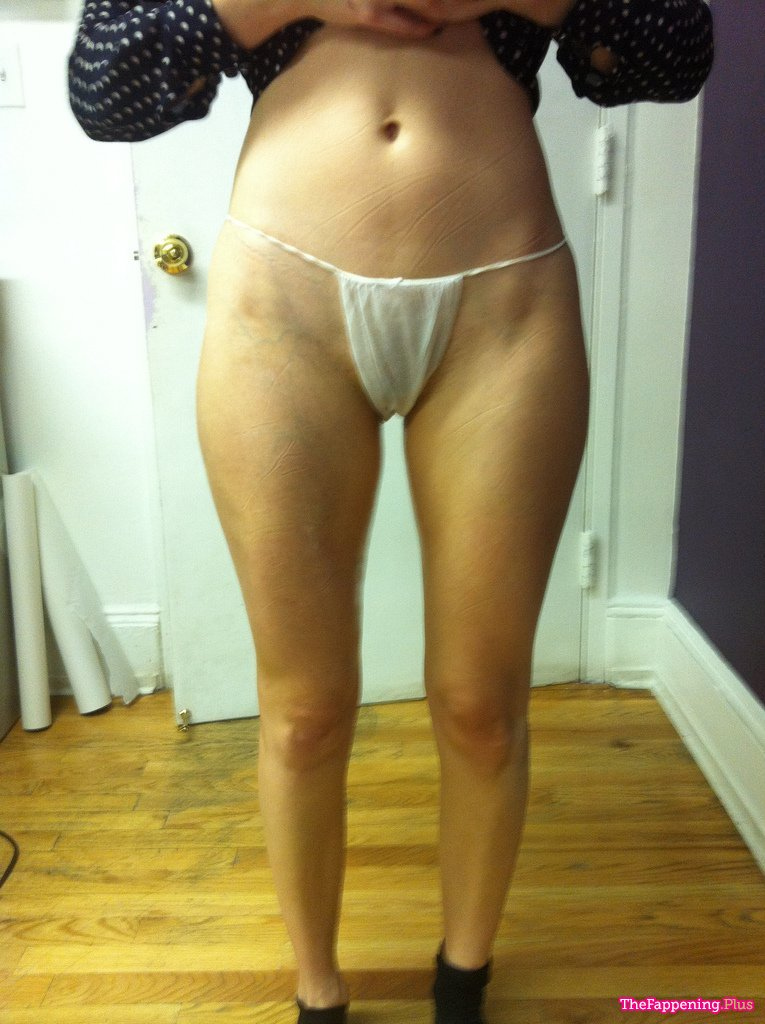 Emmy Rossum Fappening photo 5