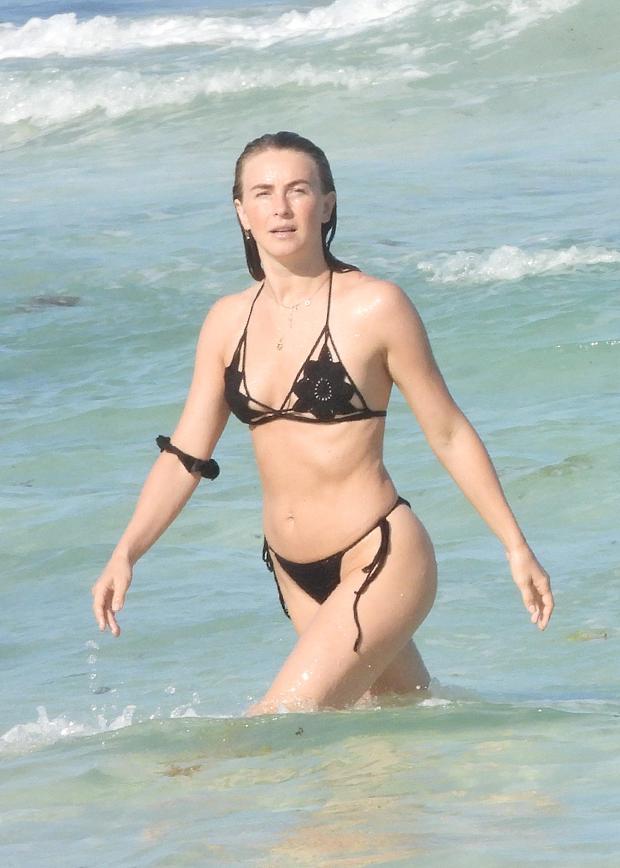 Beach Julianne Hough photo 1