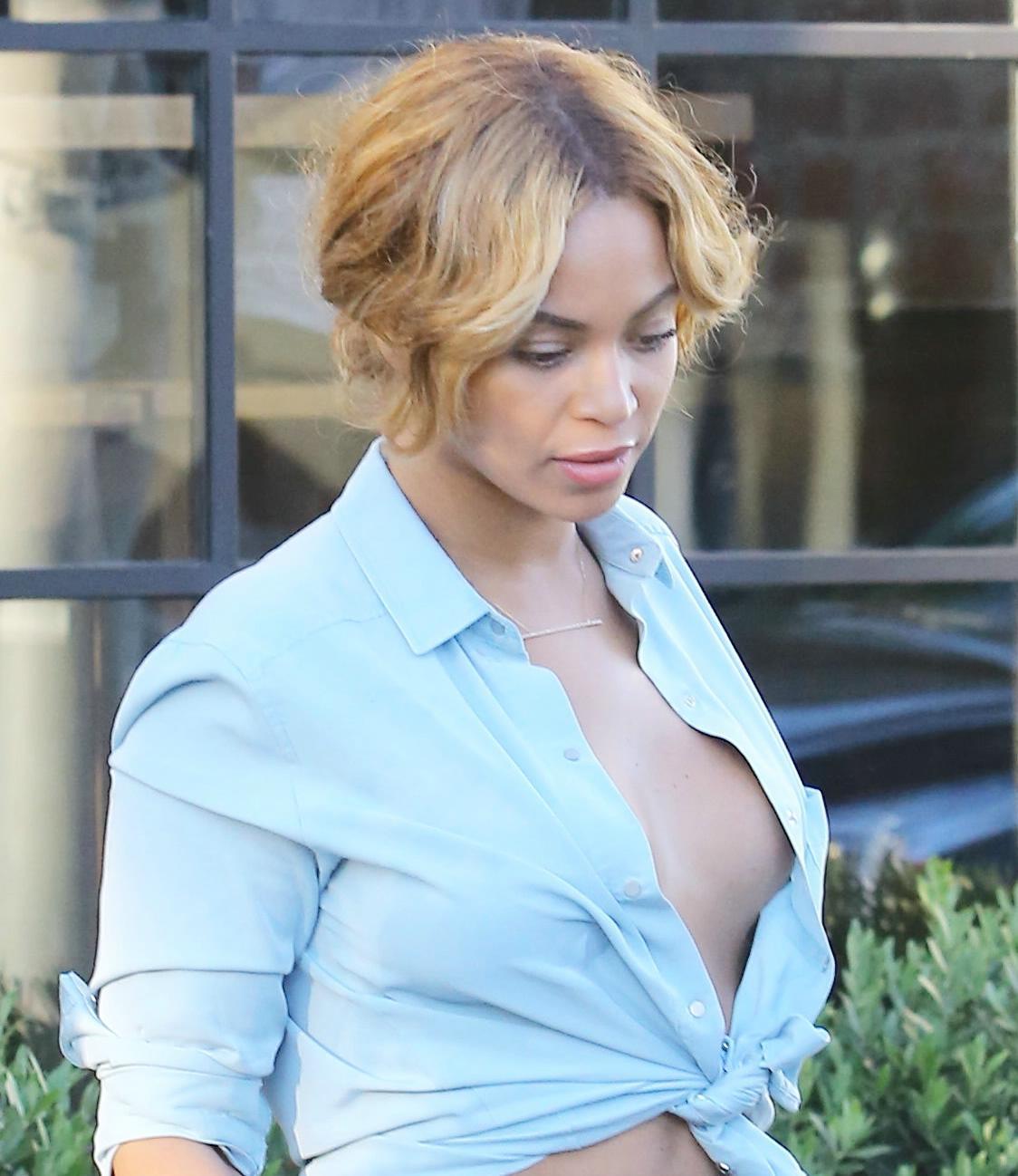 Beyonce Side Boob photo 7