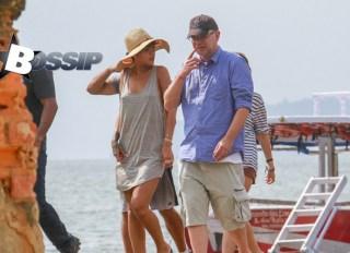Rihanna Gets Cheeky In Brazil photo 4