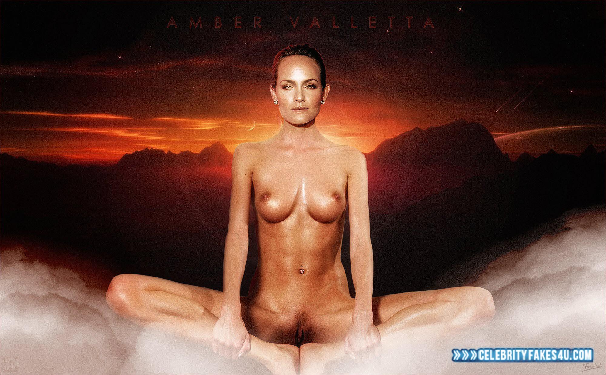 Amber Valletta Nude Pics photo 13