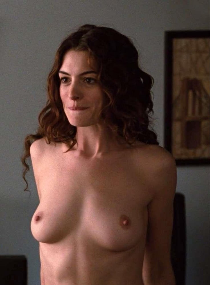 Anne Hathway Naked photo 21