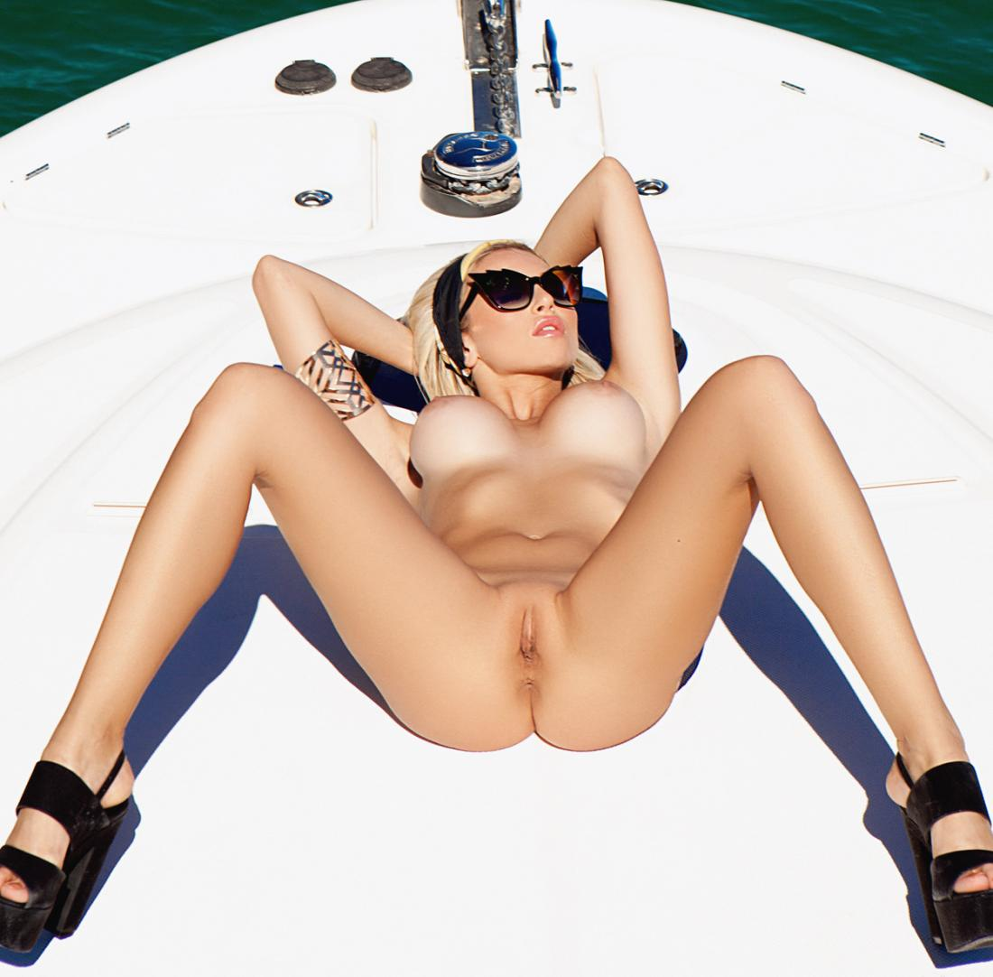 Khloe Terae Naked photo 24