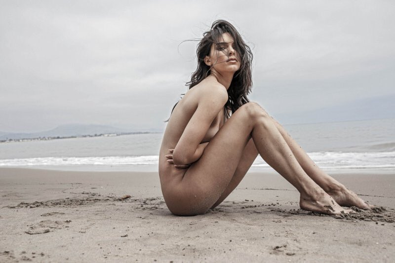 Kendall Jenner Nude Beach Run photo 19