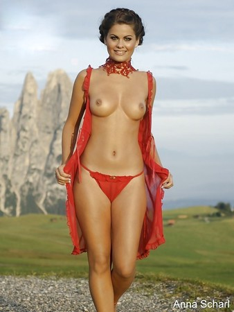 Anna Scharl Nude photo 24