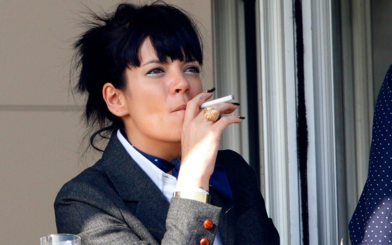 Linda Blair Smoking photo 19