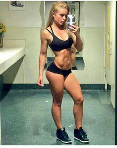 Did Jennifer Love Hewitt Pose Nude photo 15