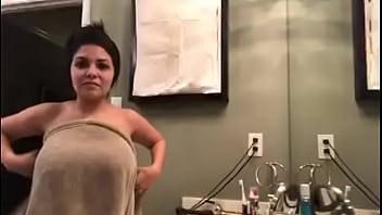Accidental Nudity Video photo 29