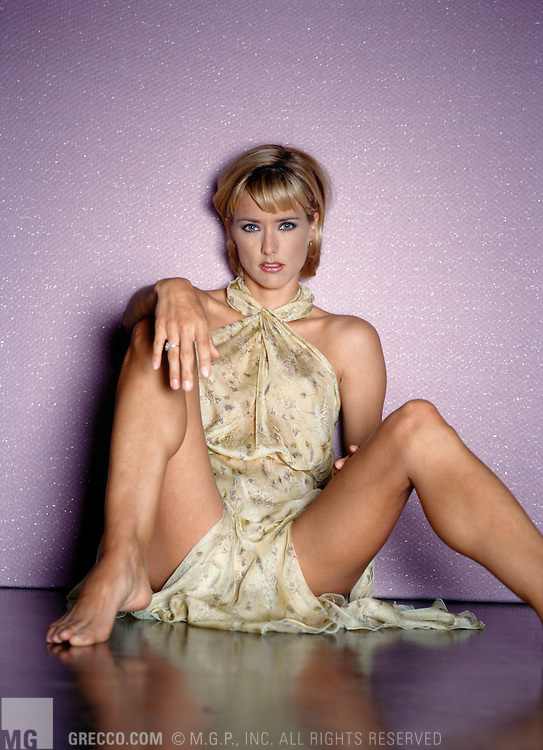 Naked Pictures Of Tea Leoni photo 5