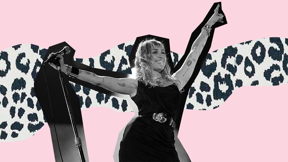 Miley Cyrus Nip Slip Video photo 15