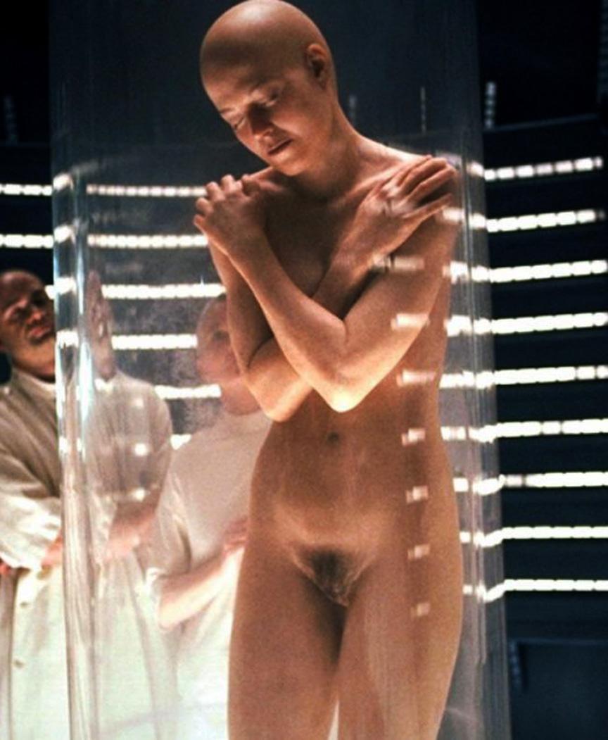 Sigourney Nude photo 4