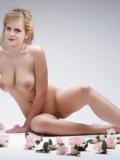 Hot Naked Celebs photo 7