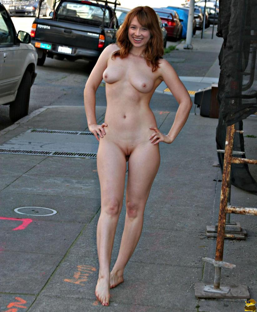Ellie Kemper Leaked photo 7